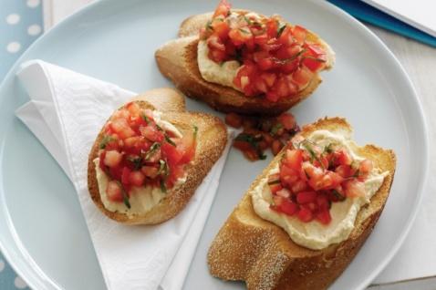 hummus crostini